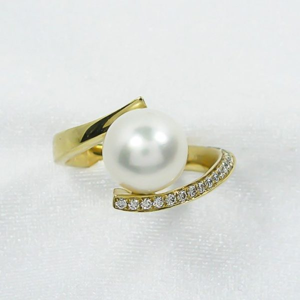 White Pearl and Diamond Ring